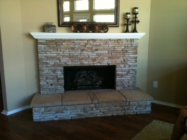 Fireplace Veneer using manufactured stone from Coronado Stone (Color - Shasta)